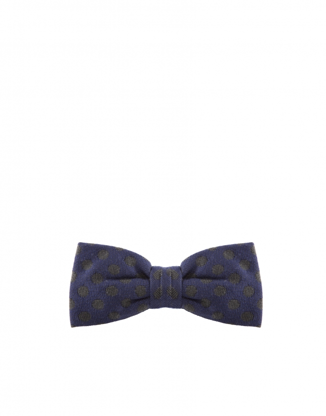 Dotted bowtie