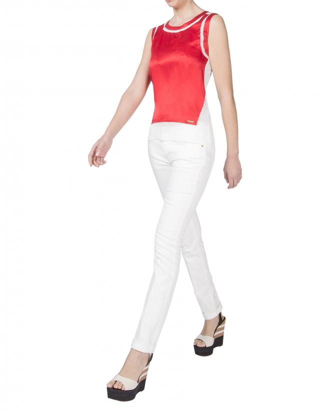 Red sleeveless t-shirt