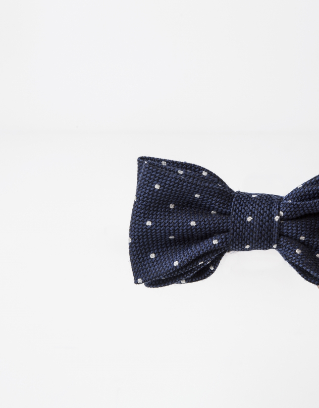 Grey bowtie with beige dots