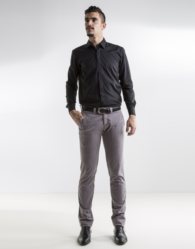 Camisa slim fit negra