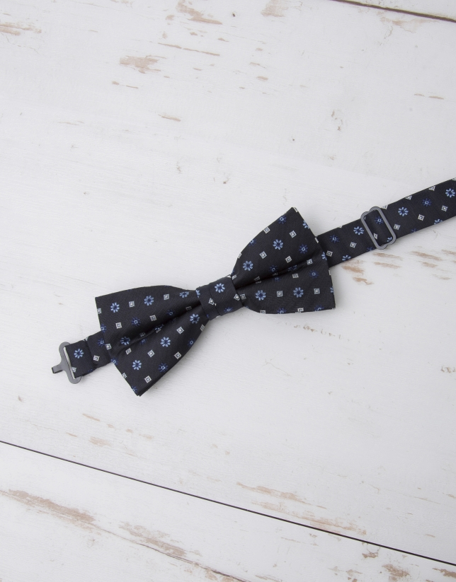 Floral and checked bowtie