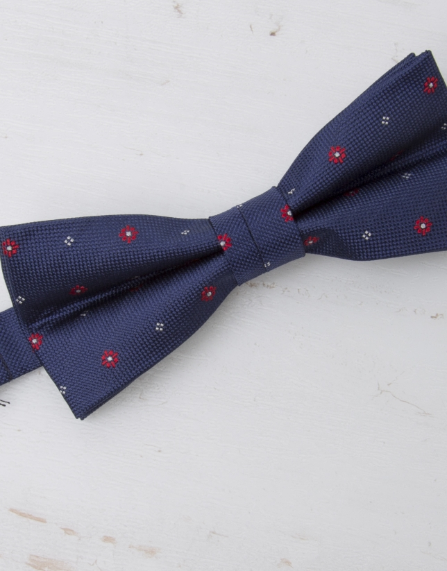 Ivory floral and dotted bowtie
