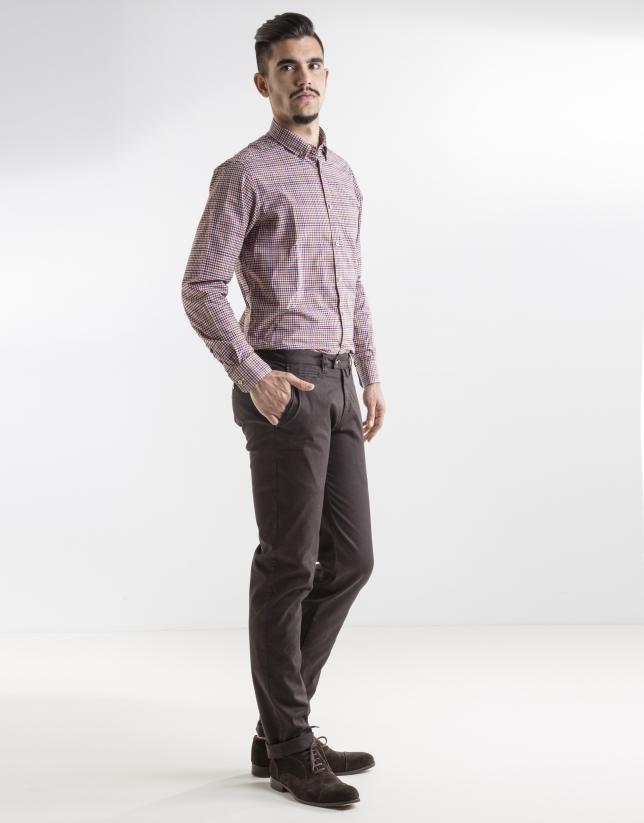 Pantalón sport estampado marrón oscuro