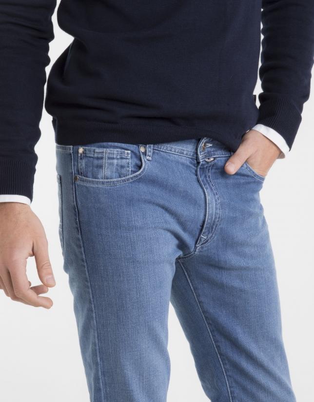 Pantalón vaquero slim azul claro