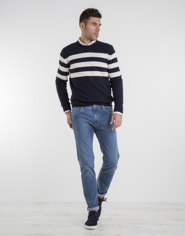 Jean slim fit (coupe ajustée) bleu clair