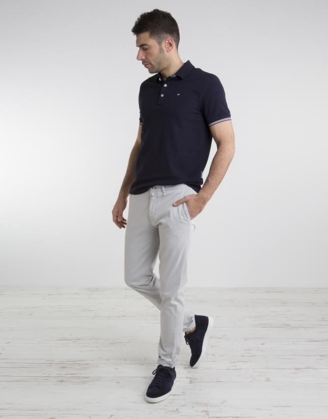 Pantalón chino de algodón piedra