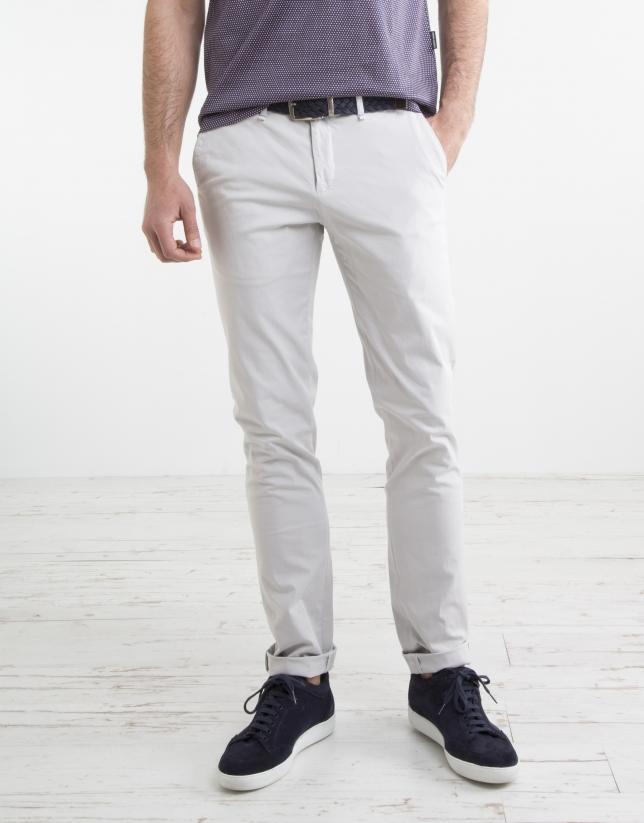 Pantalon chino microsarga piedra