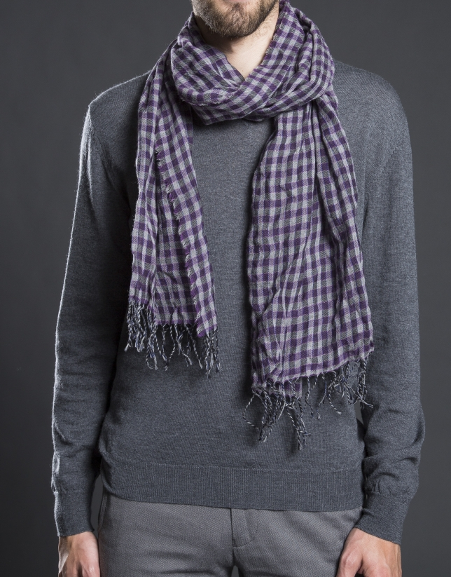Grey and mauve check scarf