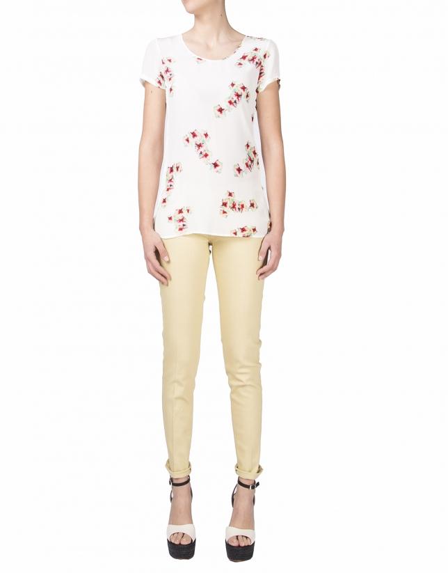 Camiseta flores manga corta