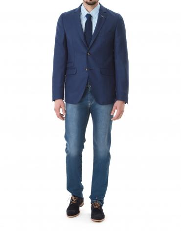 Veste à micromotifs bleu foncé.