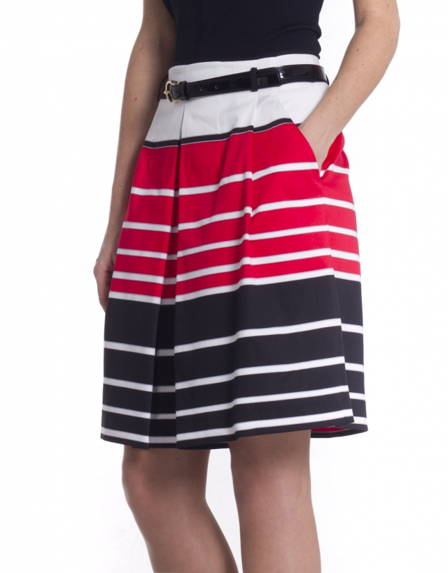 Striped skirt with pleats
