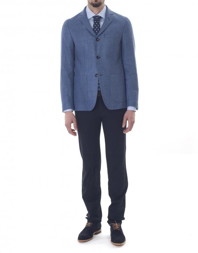 Veste à micromotifs bleus et gris.