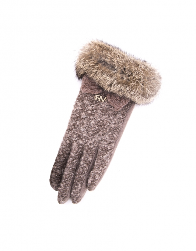 Dotted knit gloves with rabbit fur