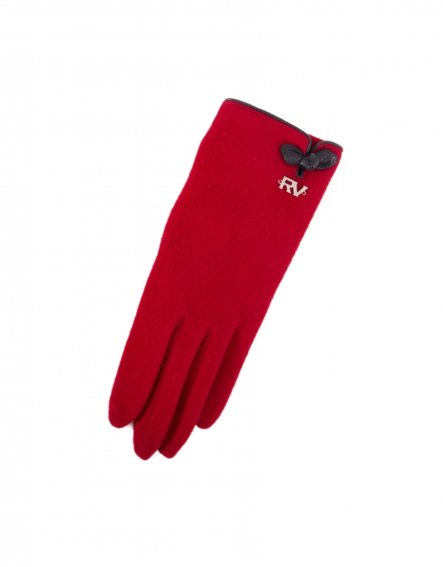 Red knit gloves.