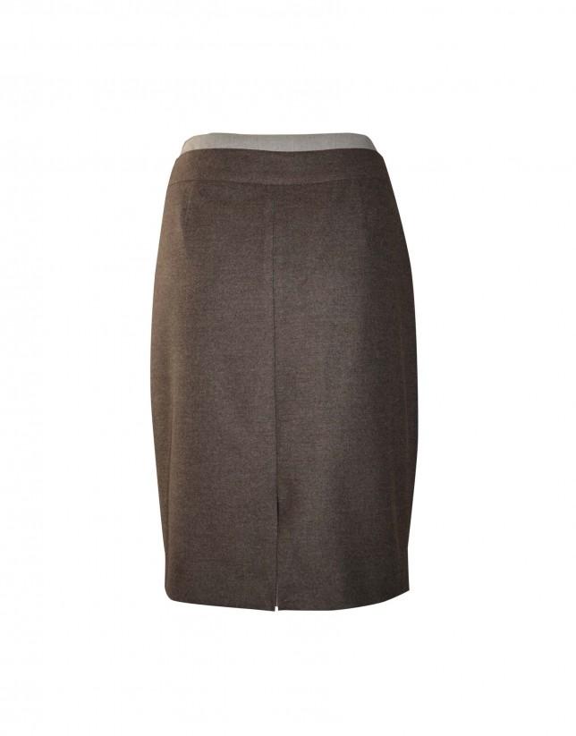 Falda marrón pliegues con cinturón