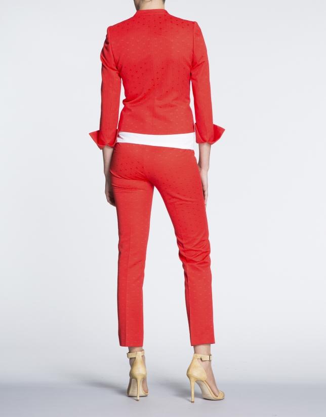 Veste courte rouge géranium à jacquard, à points, col Mao.