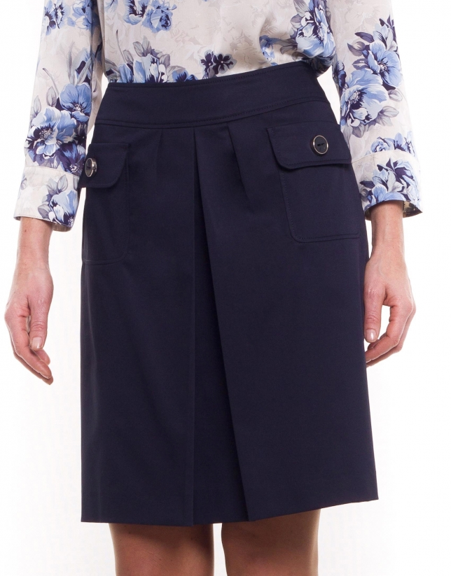 Cotton skirt with front pleat