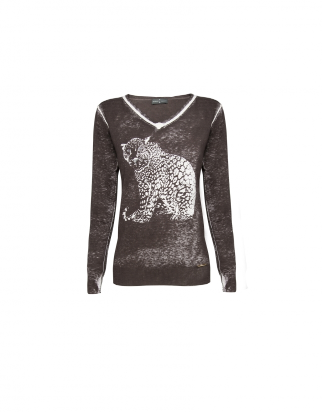 Washed beige tiger print cashmere sweater with rhinestones
