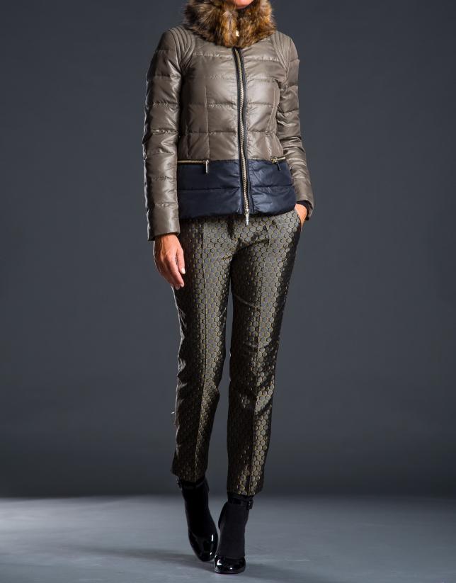 Short ski jacket with fur collar
