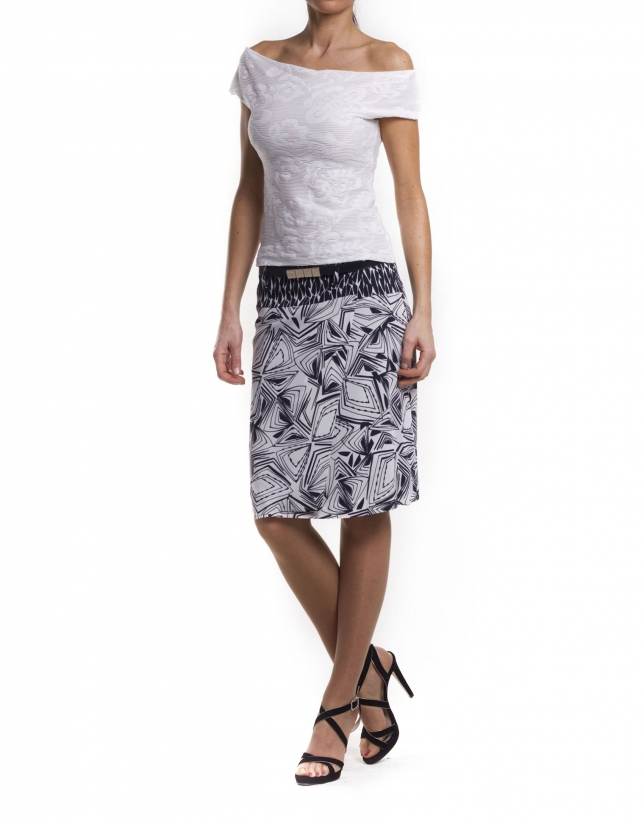 Straight skirt with contrasting waist