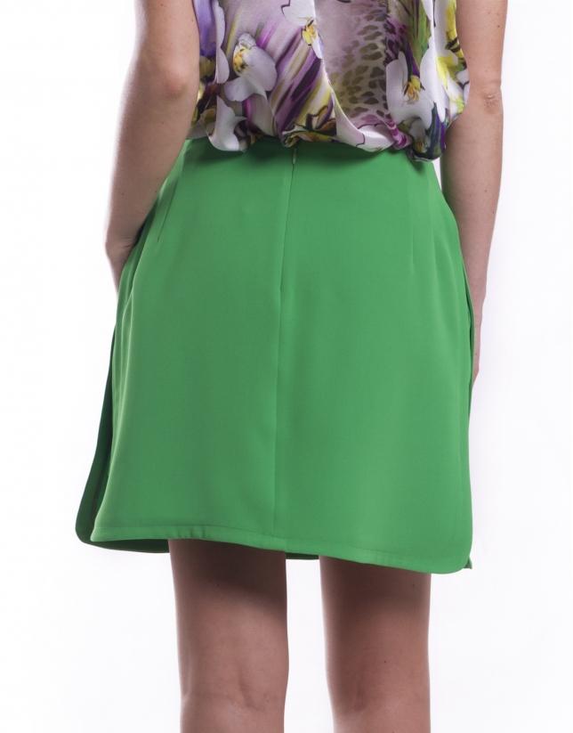 Short avec jupe superposée