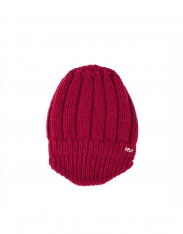 Bonnet en tricot bordeaux.