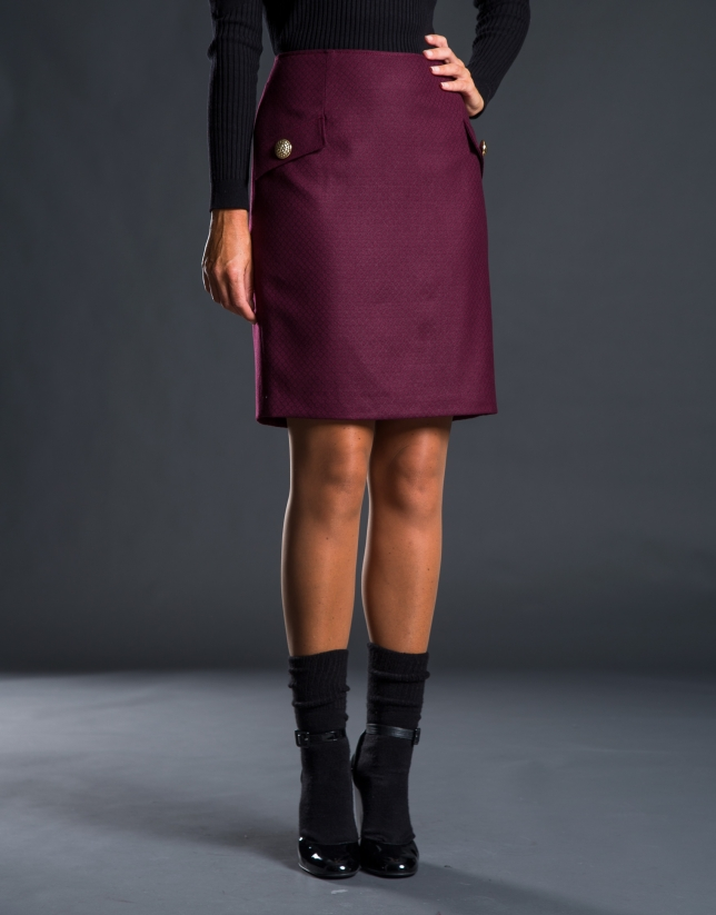 Straight purple skirt with flaps