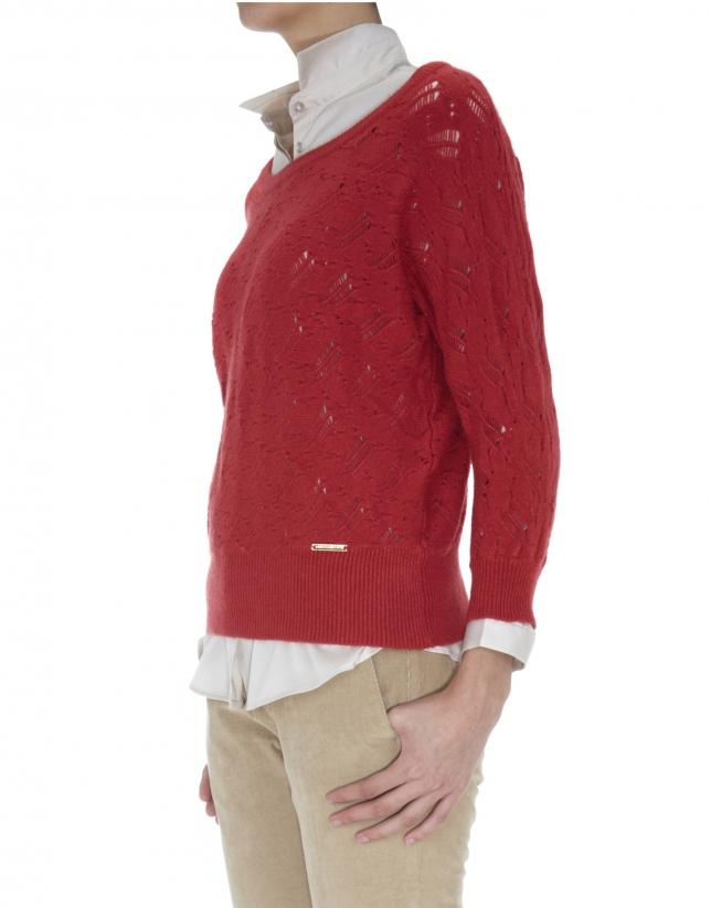 Pull rouge ajouré