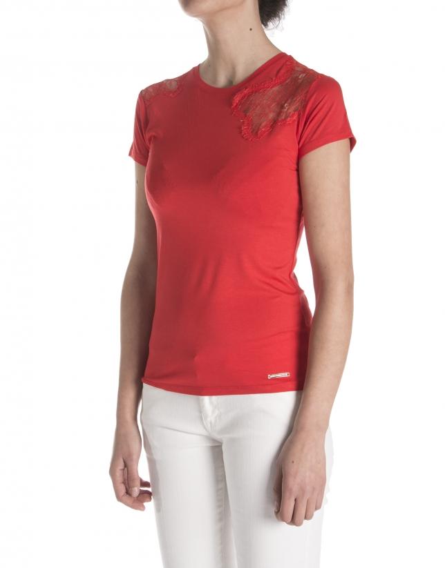 T-shirt en dentelle et canezou