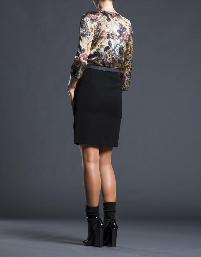 Falda negra volante fantasía