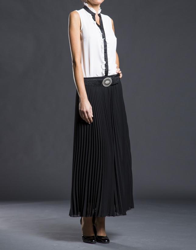 Black long pleated skirt