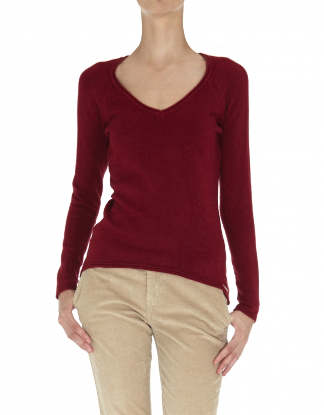 Burgundy fine knit V neck sweater