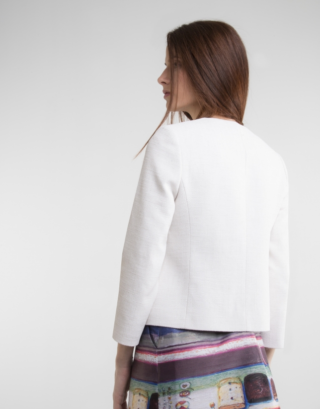 Off white short jacket with pockets