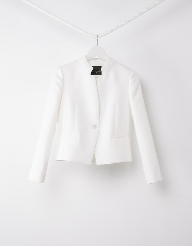 Short off-white jacket