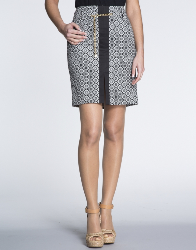 B/W geometric print straight skirt with front slit