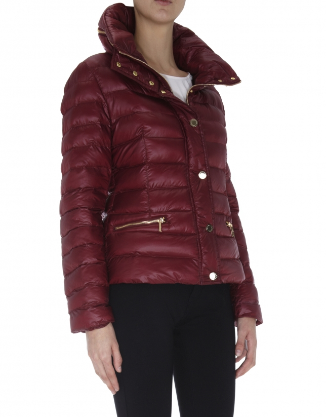 Burgundy quilted windbreaker