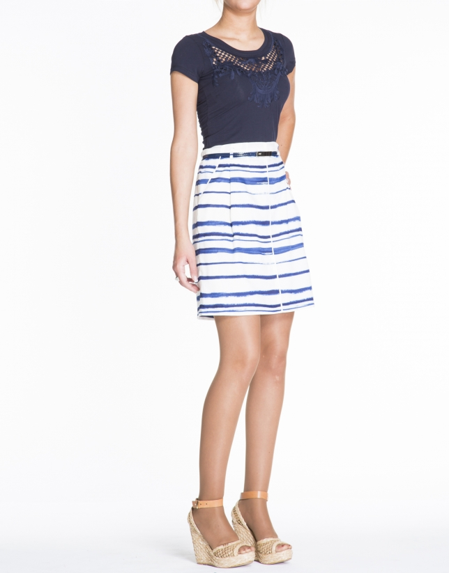 Blue stripes print A-line skirt.