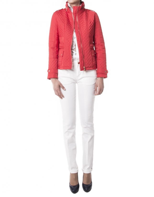 Short quilted red jacket