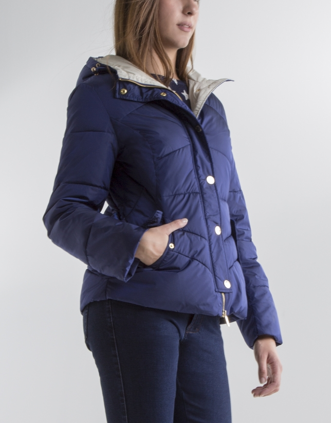 Short blue anorak with hood