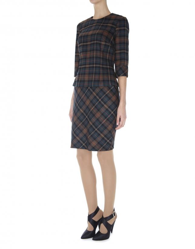 Straight skirt with slanted Scottish kilt print