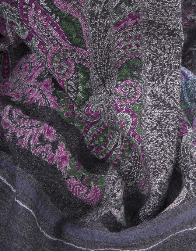 Etole grise à motifs