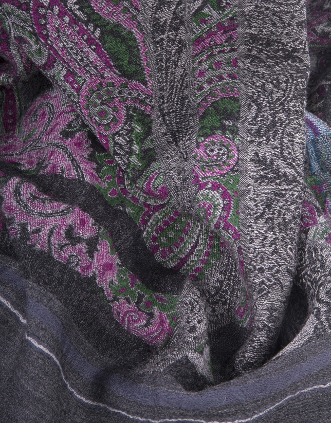 Gray scarf with motifs