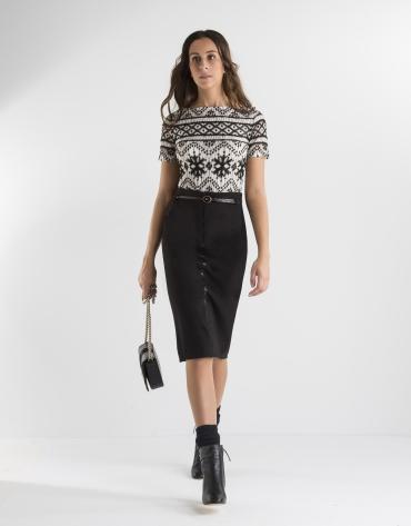 Black and white geometric print t-shirt