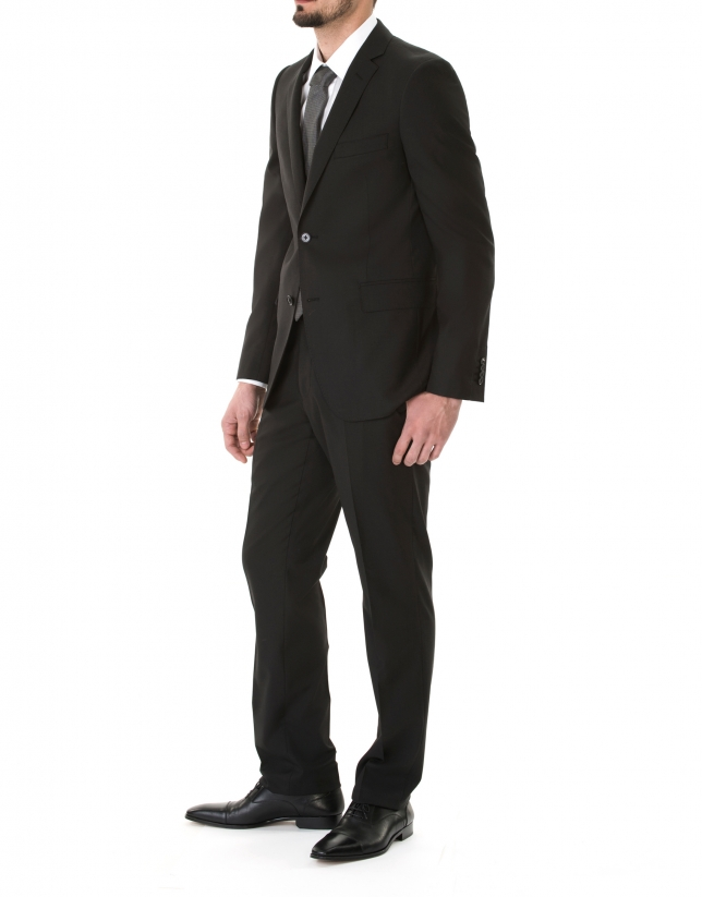 Traje liso regular negro