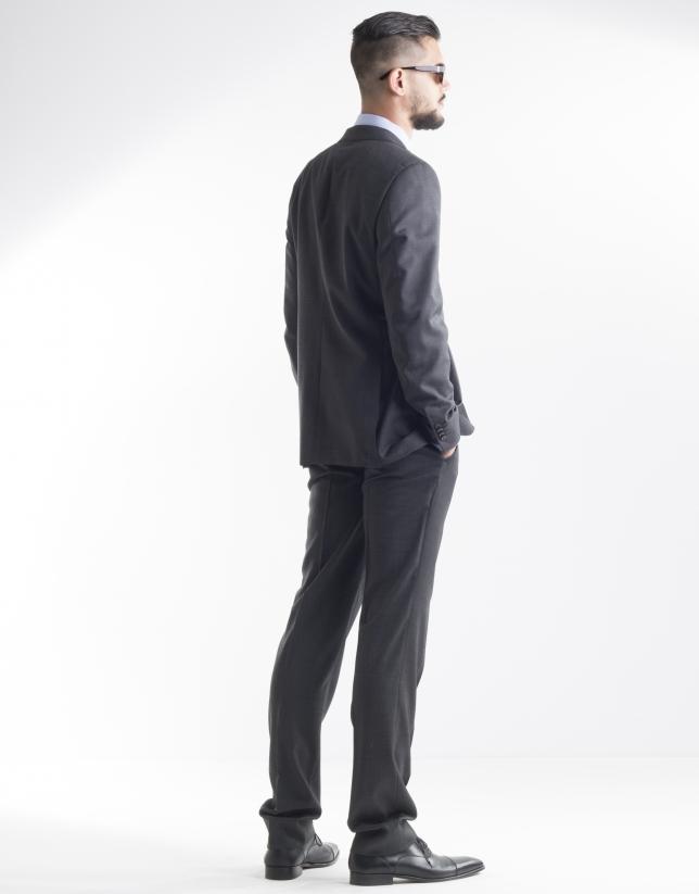 Costume gris foncé à micromotifs
