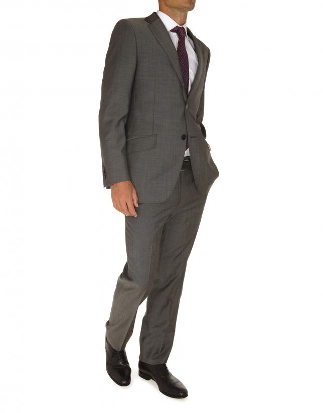 Serge suit