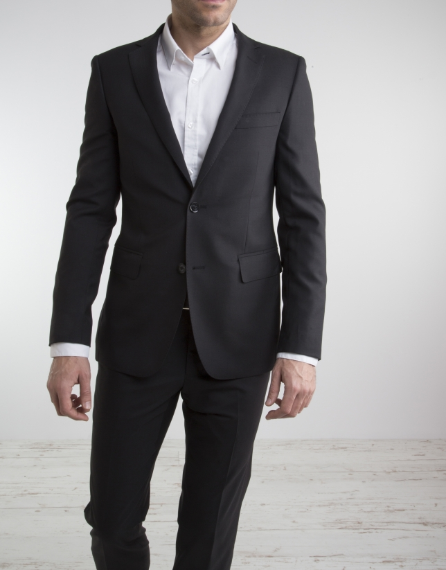 Veste de costume slim fit (coupe ajustée) en laine de printemps noire