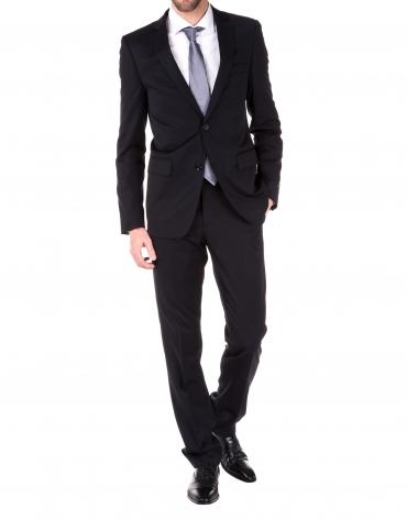 Plain suit