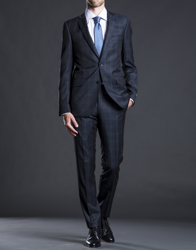 Slim fit, blue suit