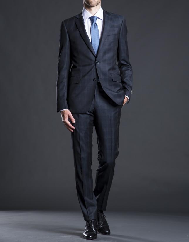 Slim fit, blue suit